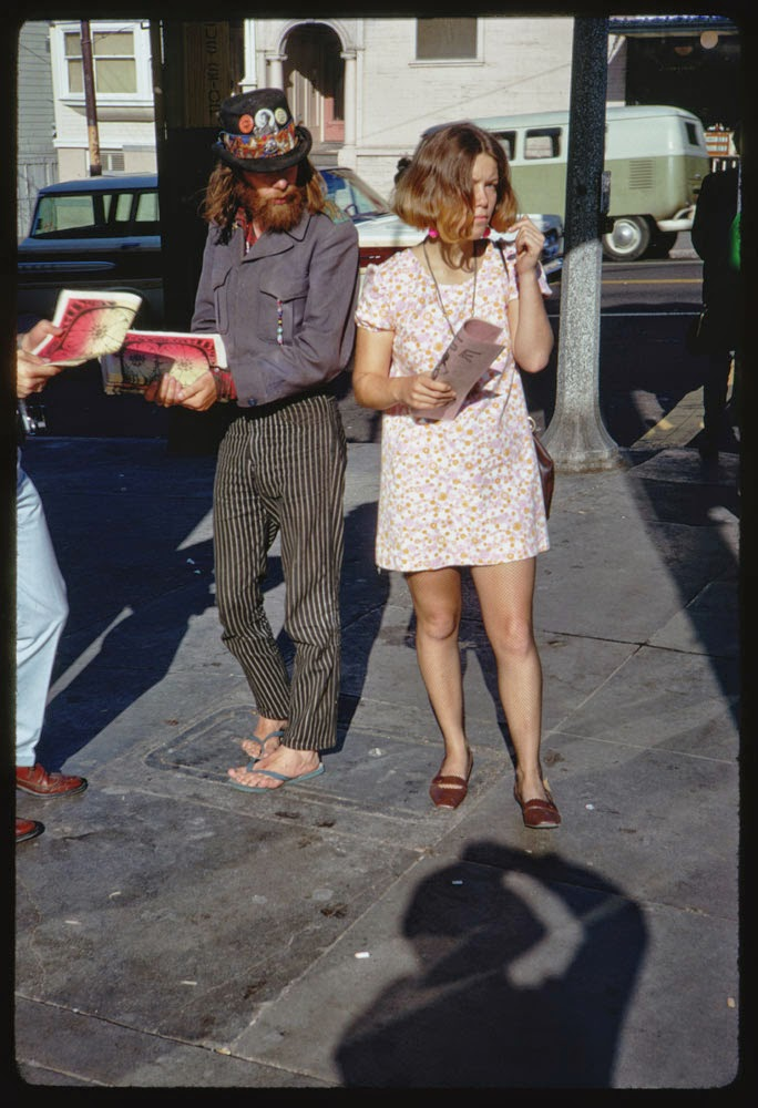 Haight-Street-Hippies-San-Francisco-in-1967-1