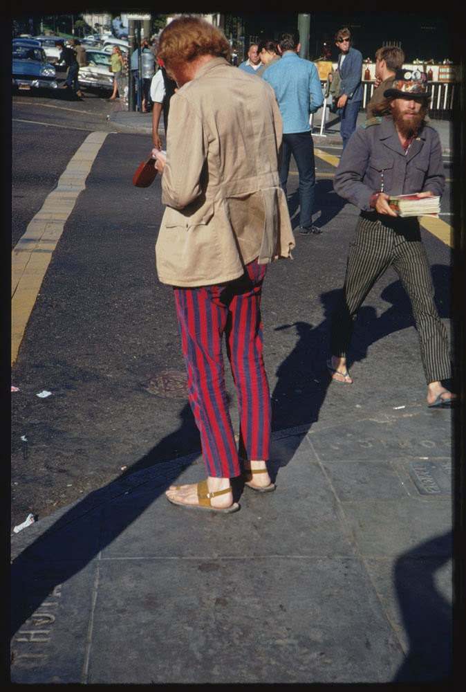 Haight-Street-Hippies-San-Francisco-in-1967-2