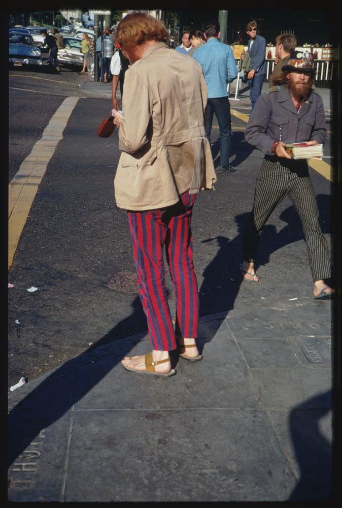 Haight-Street-Hippies-San-Francisco-in-1967-2