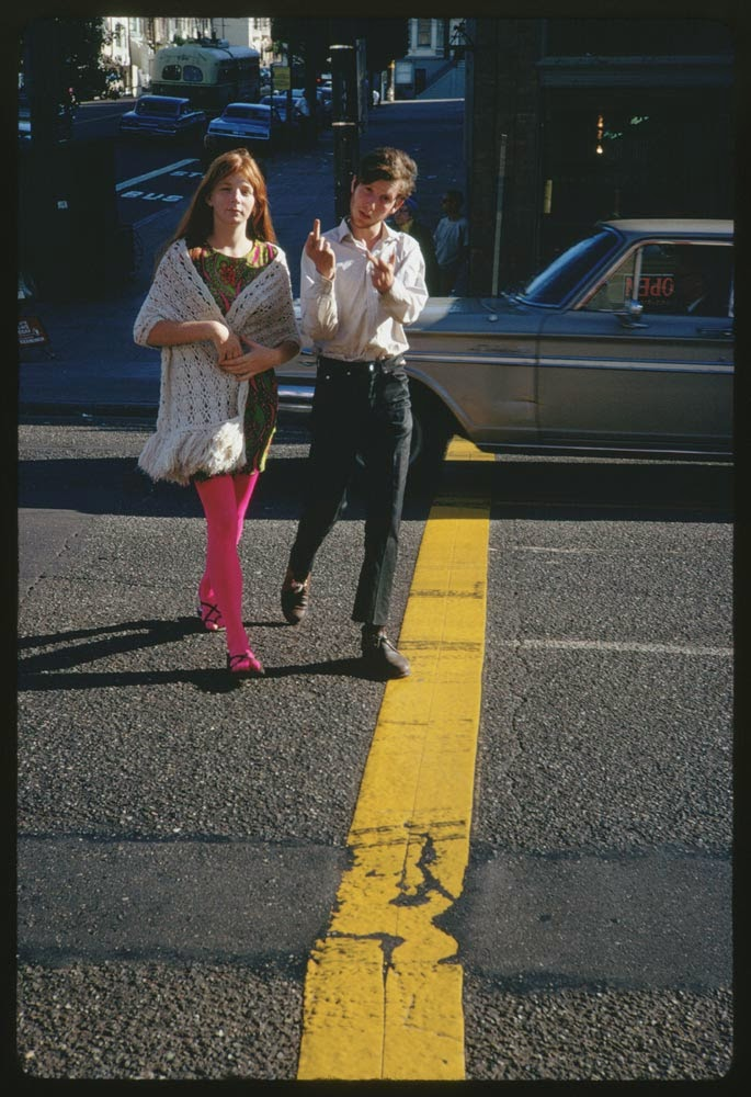 Haight-Street-Hippies-San-Francisco-in-1967-3