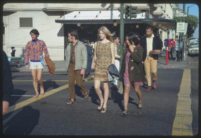 Haight-Street-Hippies-San-Francisco-in-1967-4-700x481